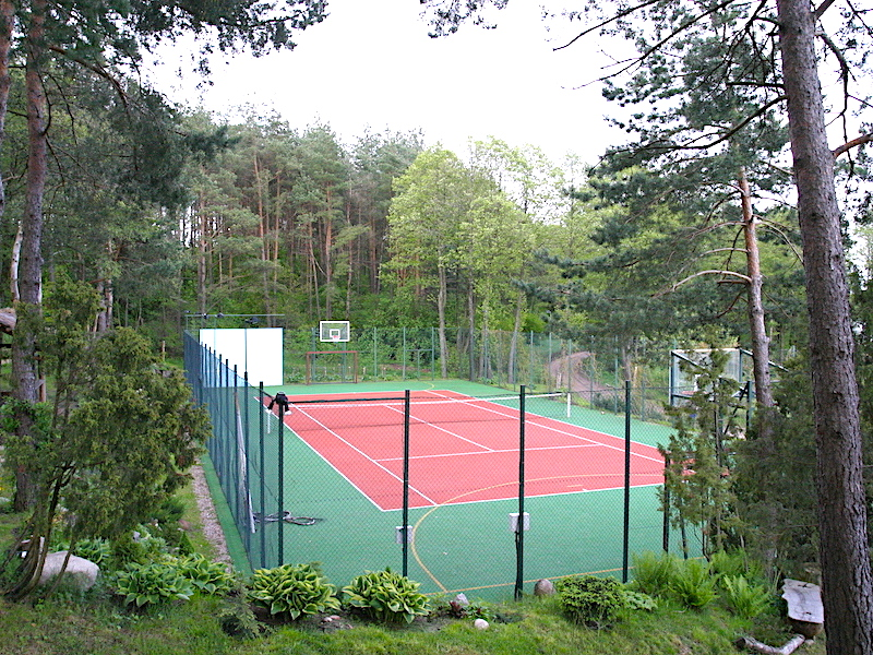 teniso-kortai-prie-margio-ezero